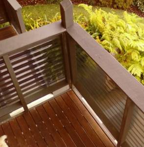 Timber & Polycarbonate Balustrade